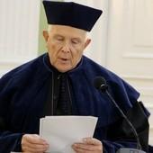 Uhonorowany ks. prof. Marek Starowieyski